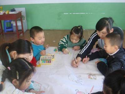 蓝星双语幼儿园鲜花献给好妈妈主题活动